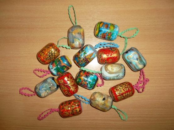 Поделки для детей из киндер яиц своими руками