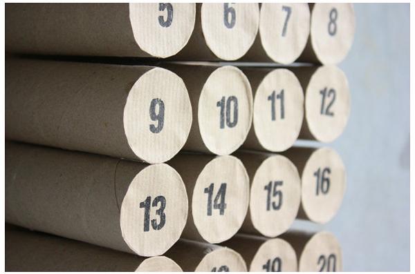 Календарь из рулонов от туалетной бумаги