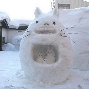 Тоторро из снега