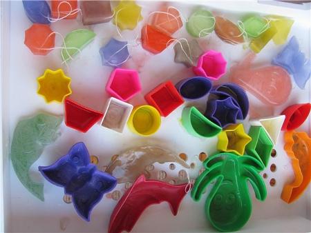 Елочные игрушки из льда