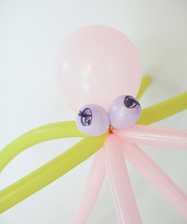 Осминог из воздушного шара