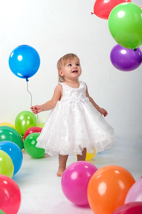 Как украсить детский праздник шарами