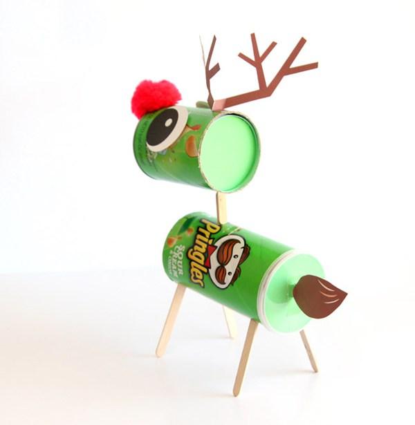 Рождественский олень с конфетами