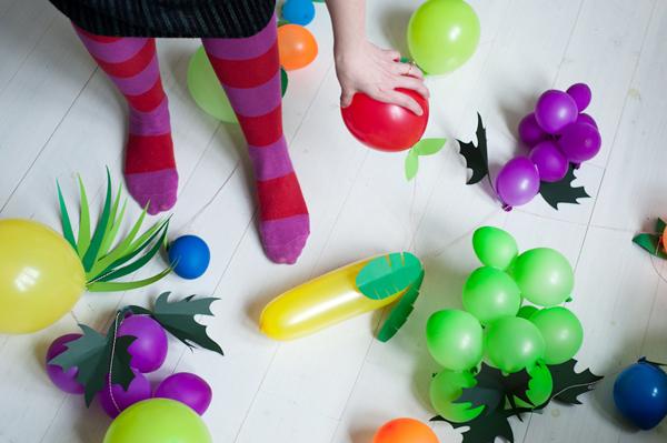 Фрукты из воздушных шариков