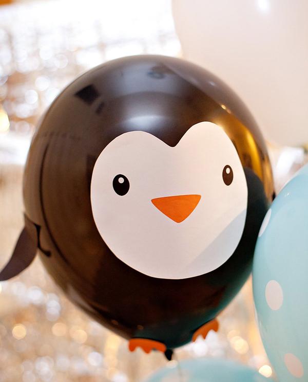 Пингвин из воздушного шарика