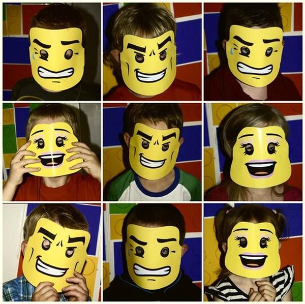 Маски человечков Лего
