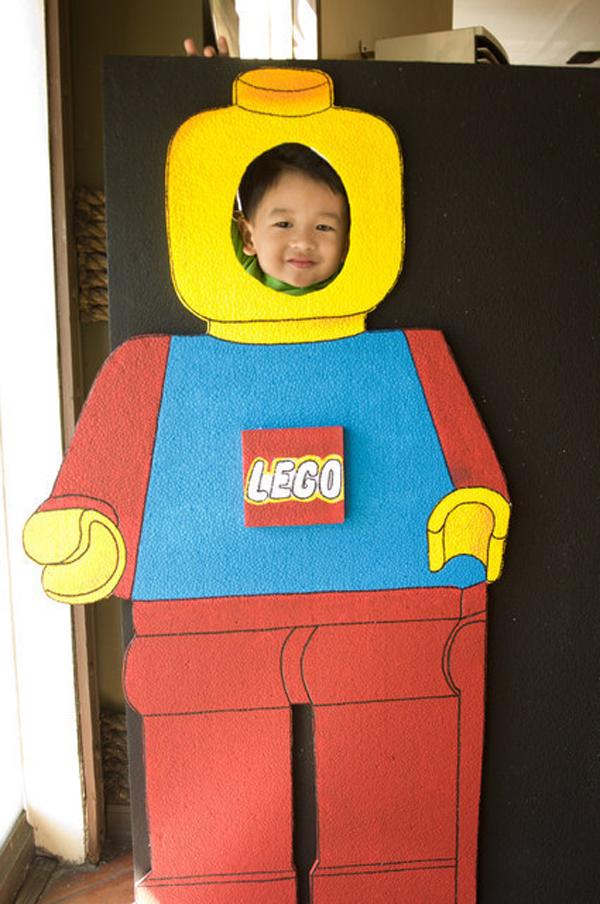 Стенд для фото Лего
