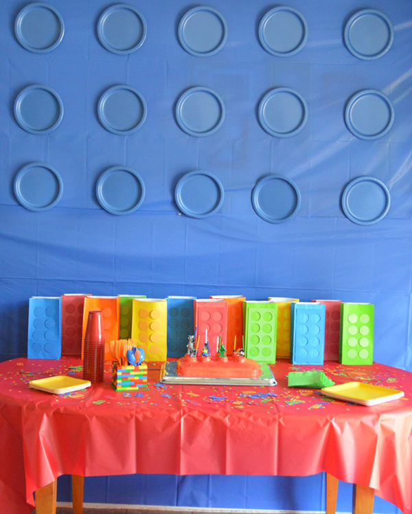 Украшение комнаты к празднику