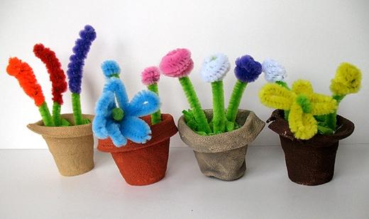 Цветы в горшочках из синельной проволоки