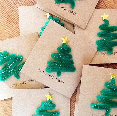 Новогодние открытки с пушистыми елочками