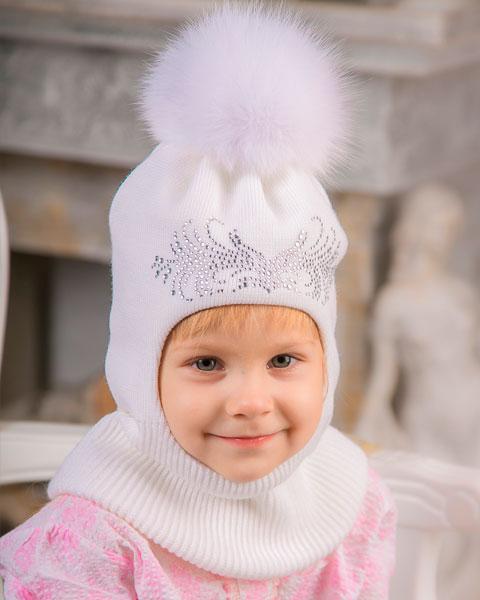 Детский капор с меховым бубоном
