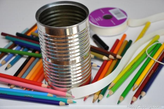Как сделать вазу из цветных карандашей