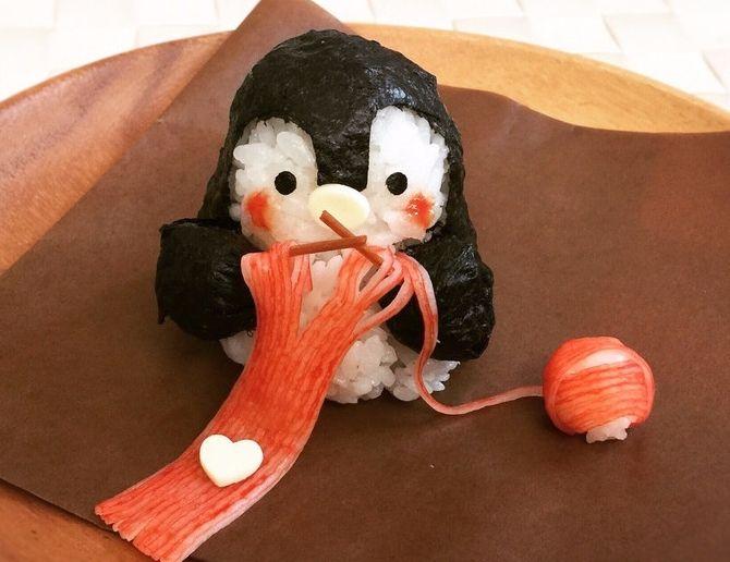Суши в виде пингвина