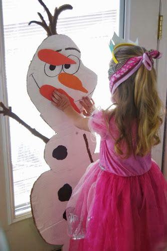 Прикрепи нос снеговику