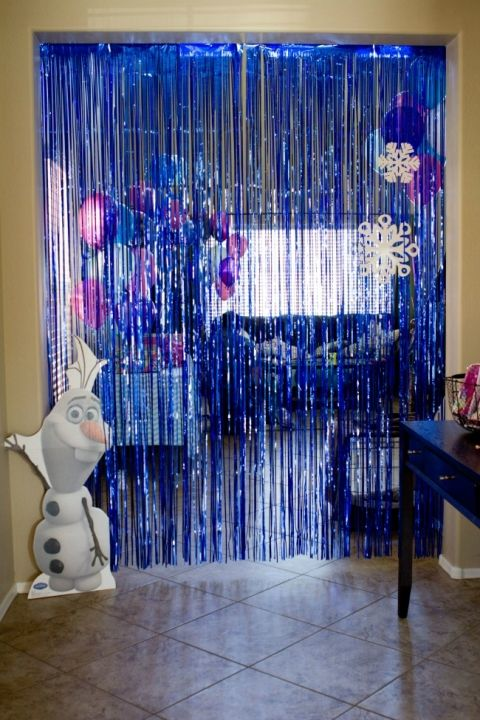 Дождик на входной двери