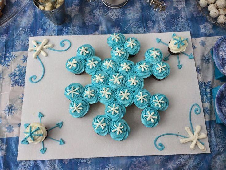Капкейки со снежинками
