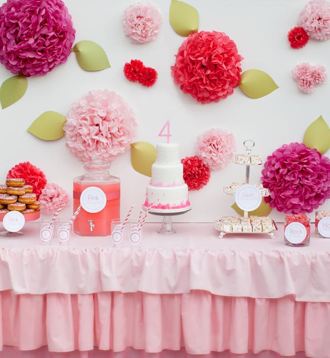 Бумажные розы для украшения детского праздника