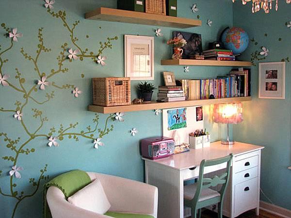 Декор стен в детской бумажными цветами