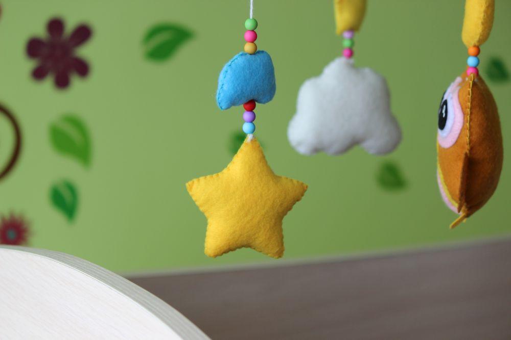 Звезда и облако из фетра для мобиля