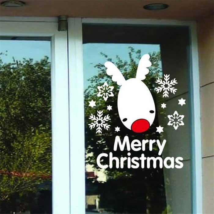 Аппликация с оленем на окне