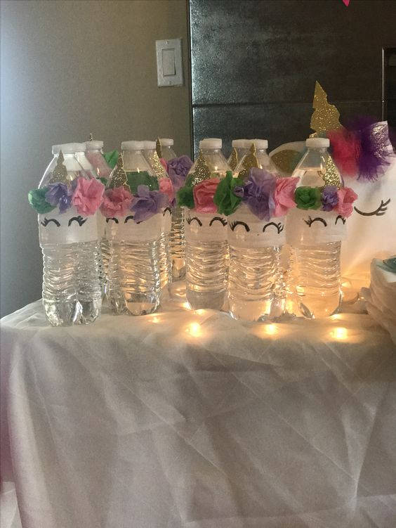 Бутылочки с водой в виде единорожек