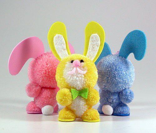 Кролики из помпонов