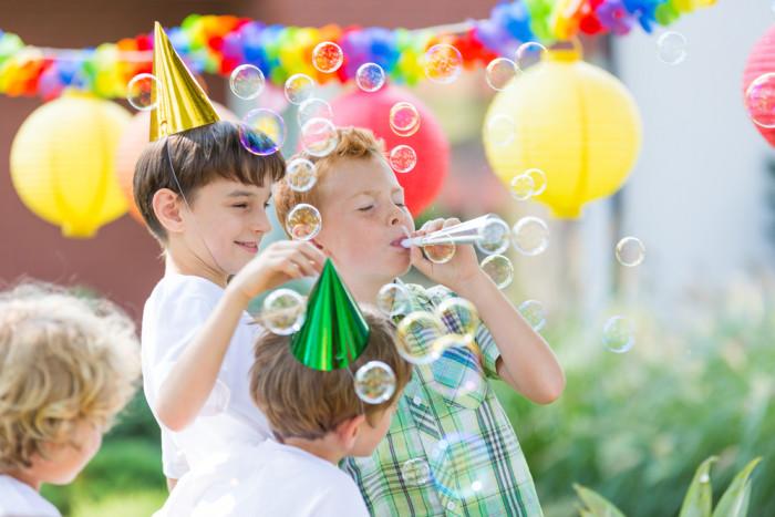 Детский праздник на пикнике