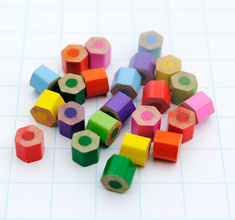 Поделки из кусочков цветных карандашей