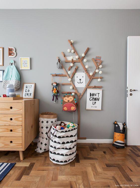 Оригинальные крючки в виде дерева для игрушек