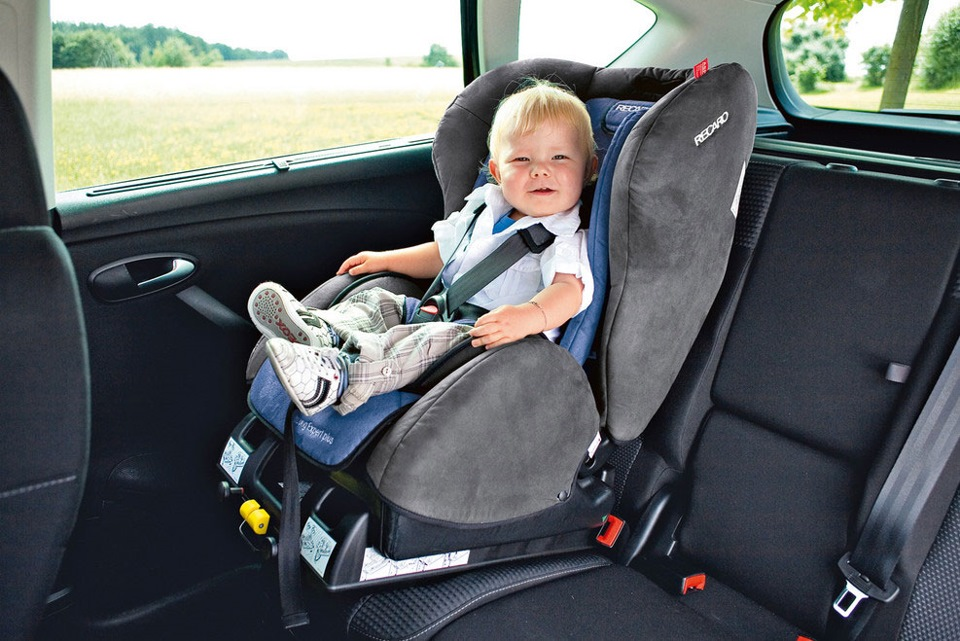 Ребенок в авттокресле