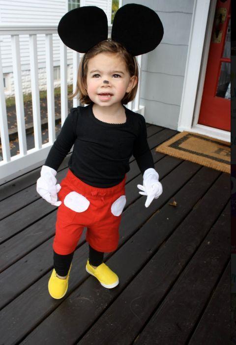 Простой костюм Микки Мауса
