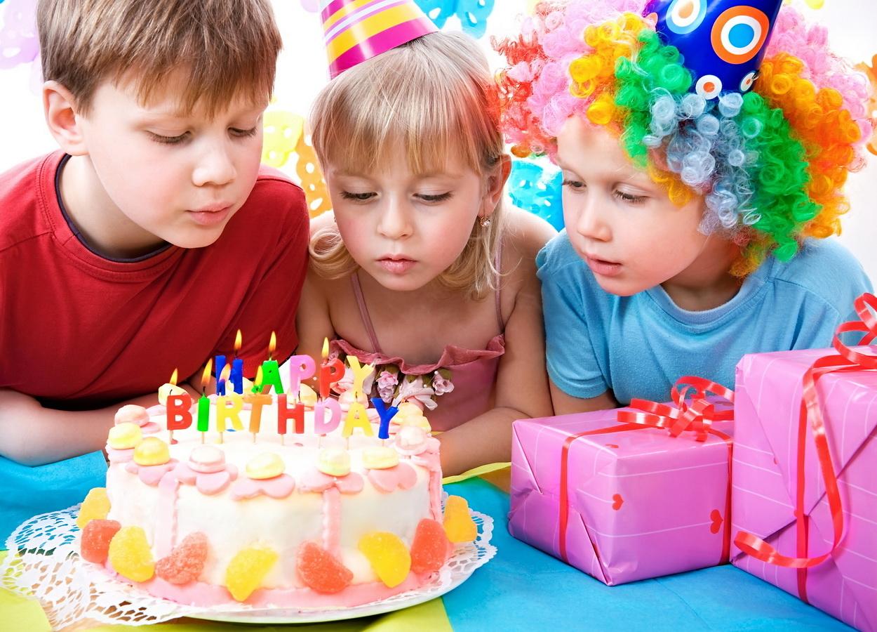 Как весело отпраздновать детский день рождения: игры для самых маленьких