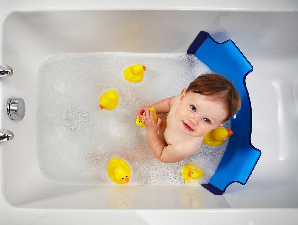 Бортик для купания ребенка в ванной