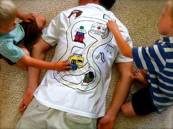 Отличная идея игры папы с детьми