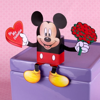 Коробка для конфет в виде Микки Мауса ко Дню Святого Валентина