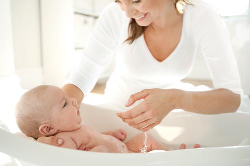 Купание ребенка: Водные процедуры для самых маленьких