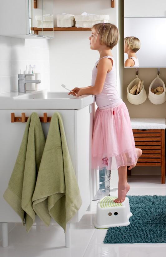 Ступеньки для ребенка в ванную комнату