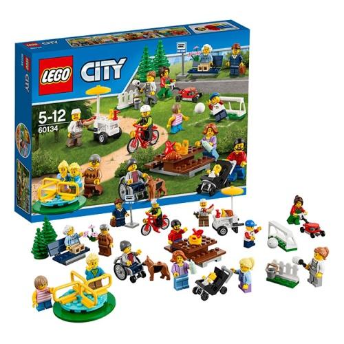 Ситуации из жизни – Лего Праздник в парке – жители 60134