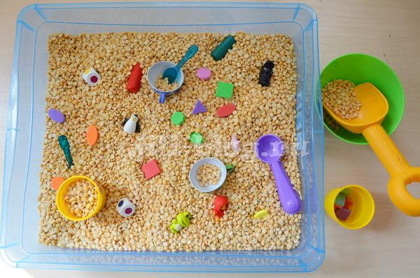 Сенсорная коробка: увеличиваем тактильный опыт ребенка